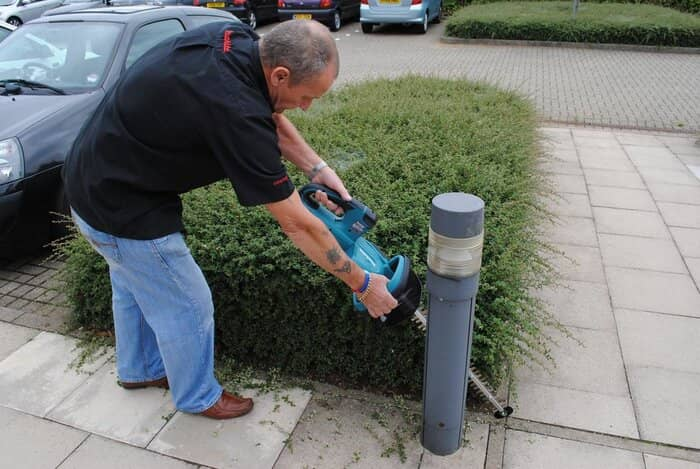 What is a Good Voltage For a Hedge Trimmer?